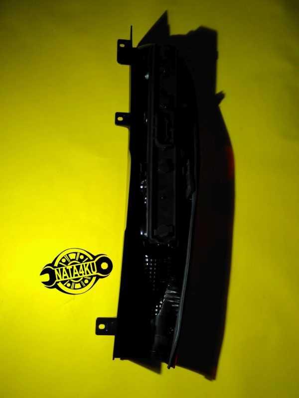 Фонарь задний правый R Mercedes viano/vito 2003 > A6398200264 Mercedes