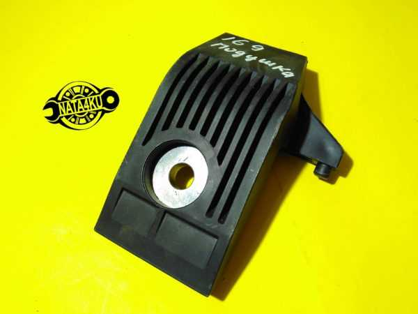 Кронштейн крепления радиатора Mercedes w169/w245 A1696200536 Mercedes