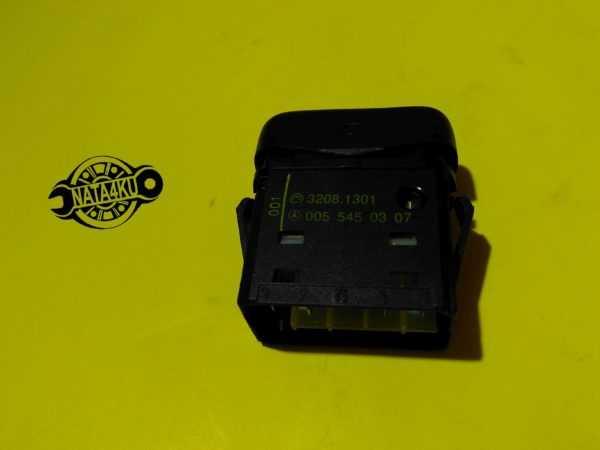 Выключатель обогрева заднего стекла Mercedes 638/901/903 /904 A0055450307 Mercedes