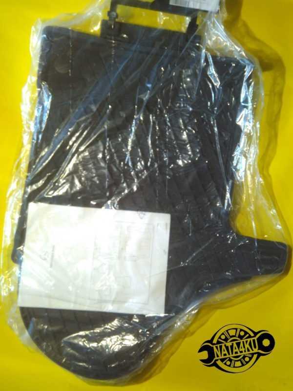 Коврики резиновые комплект Mercedes v447 2014 > A4476806300 Mercedes