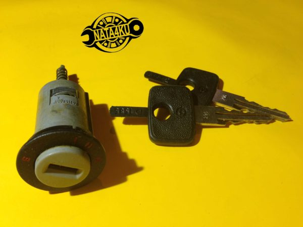Замок зажигания с ключами, комплект Opel kadett/astra/corsa Vauxhall nova 90167295 GM